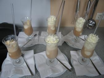 Eiskaffee mit Strohhalm