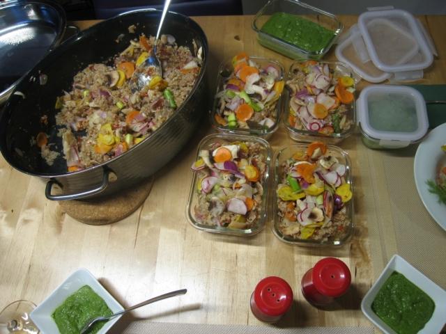 Quinoa-Buchweizen-Gemüsetopf in der Variante zum Mitnehmen