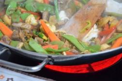 Scharfes Rindfleisch mit Gemüse aus dem Wok Title