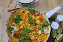 Scharfer Karfiol mit Ananas und Minze-Joghurt Title