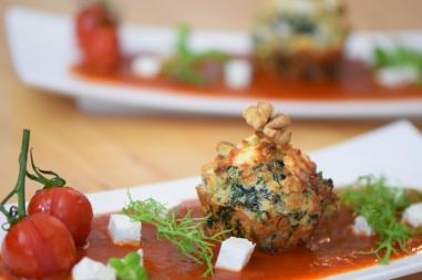 Semmelknödelmuffins mit Tomatensauce (10)