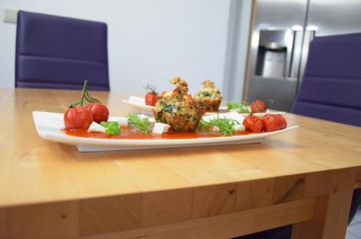 Semmelknödelmuffins mit Tomatensauce (23)