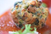 Semmelknödelmuffins mit Tomatensauce (35)