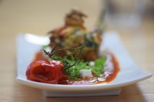 Semmelknödelmuffins mit Tomatensauce (37)