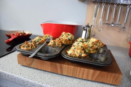 Semmelknödelmuffins mit Tomatensauce (9)