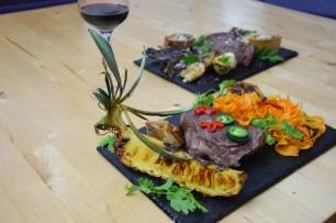 Bison mit gebratenem Radicchio-Artischocken-Salat (11)