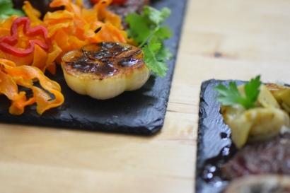 Bison mit gebratenem Radicchio-Artischocken-Salat (20)