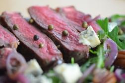 Bisonsteak mit Pekannüsse-Rucola-Salat (18)