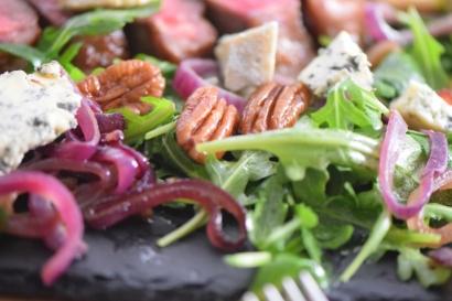 Bisonsteak mit Pekannüsse-Rucola-Salat (20)
