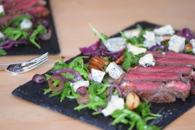 Bisonsteak mit Pekannüsse-Rucola-Salat (23)