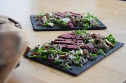 Bisonsteak mit Pekannüsse-Rucola-Salat (8)