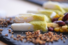 Heilbutt-Ceviche mit Stangensellerie-Passionsfrucht-Sauce (25)
