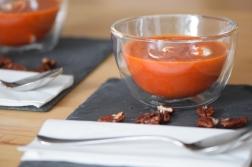 Kalte Tomatensuppe mit Marillen und Pecannüssen (13)