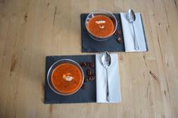 Kalte Tomatensuppe mit Marillen und Pecannüssen (5)