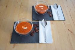 Kalte Tomatensuppe mit Marillen und Pecannüssen (6)
