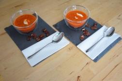 Kalte Tomatensuppe mit Marillen und Pecannüssen (8)