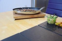 Lachsforelle mit grünem Spargel und Pfefferbutter(5)