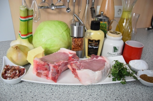 Schweinskotelett Zwiebelsenf Krautsalat (1)