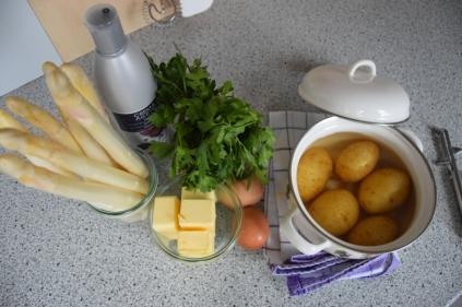 Weißer Saprgel it Sauce Hollandaise (1)