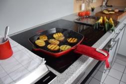 Gegriller Wolfsbarsch und gegrille Ananas (5)
