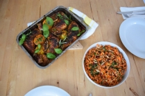 Hähnchenkeulen mit Karottensalat (6)