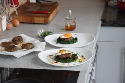 Faschierte Laberln mit Spiegelei und Spinat (5)