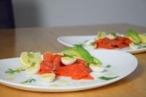 Lachs, Avocado, Wachteleier (6)
