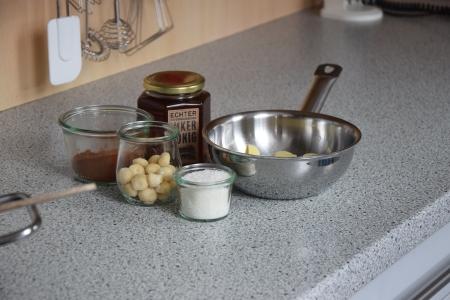 Nuss-Schokolade ohne Zucker (1)