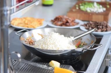 Rindfleisch aus dem Wok mit Reis und Gemüse (11)