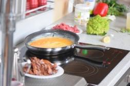 Rindfleisch aus dem Wok mit Reis und Gemüse (4)