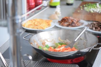 Rindfleisch aus dem Wok mit Reis und Gemüse (9)