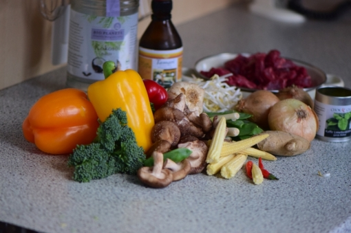 Rindfleisch-Wok mit viel Gemüse (1)