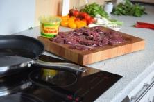 Scharfer Salat mit kalter Hühnerleber (2)