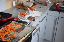 Steak mit Salat und Ofenpommes (8)