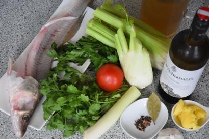 Gebratener Zander auf Paprikakraut und Welschrieslingschaum (1)