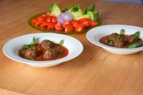 Hackfleischbällchen in Tomatensoße (2)