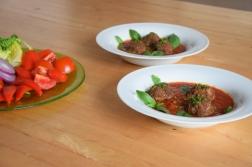 Hackfleischbällchen in Tomatensoße (3)
