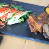 Beinfleisch mit Pak Choi und Süßkartoffelpüree