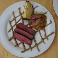 Steak mit Shiitake-Ketchup und Grillgurken