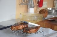 steak-mit-shiitake-ketchup-und-grillgurken-9