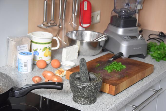 estragon-kuchlein-und-rote-bete-salat-mit-apfel-2