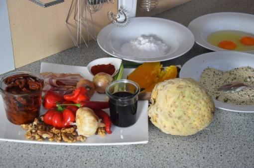 sellerie-schnitzel-mit-suskartoffel-dip-und-tomaten-dip-1