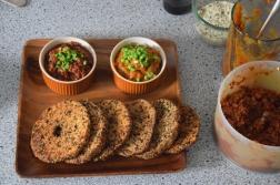 sellerie-schnitzel-mit-suskartoffel-dip-und-tomaten-dip-6