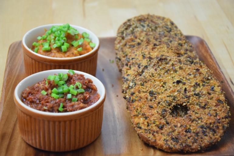 sellerie-schnitzel-mit-suskartoffel-dip-und-tomaten-dip-8