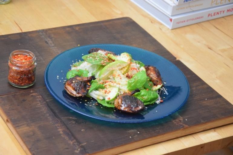 wachteln-mit-apfel-kohlrabi-salat-im-miso-dressing-5