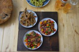 zitronen-tomatensalat-mit-gebackenen-melanzanischlangen-12