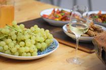 zitronen-tomatensalat-mit-gebackenen-melanzanischlangen-13