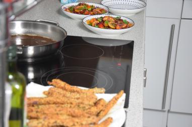 zitronen-tomatensalat-mit-gebackenen-melanzanischlangen-8