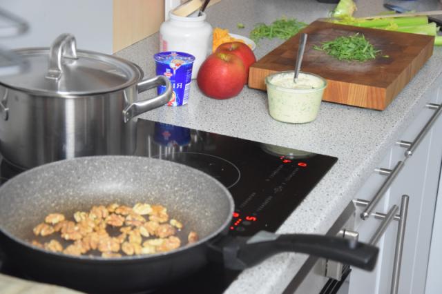 Geräucherter Saibling mit  Rübchen-Salat (2).png