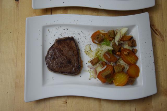 huferlsteak-mit-gelber-bete-fenchel-salat-5